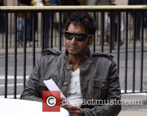 Ajay Devgan Fiming on location of new movie...