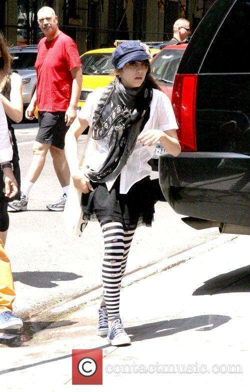 Madonna's daughter, Lourdes Ciccone Leon, visits the Kabbalah...