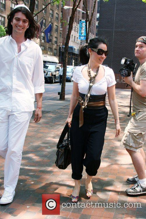 Lucy Liu, Sporting Large Sunglasses and Leaving The Kabbalah Center In Good Spirits 2