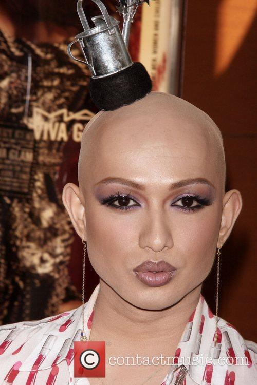 Ongina, winner of the MAC Viva Glam challenge...