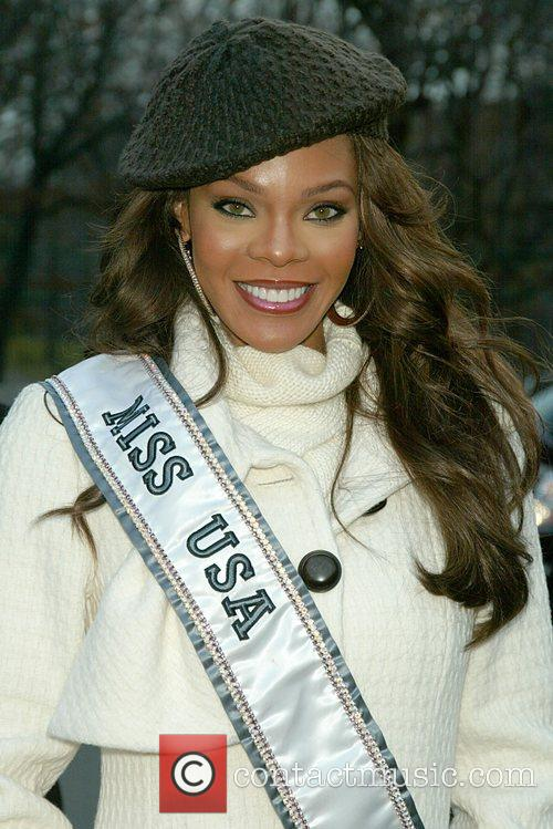 Crystle Stewart at the Macy's Thanksgiving Parade New...
