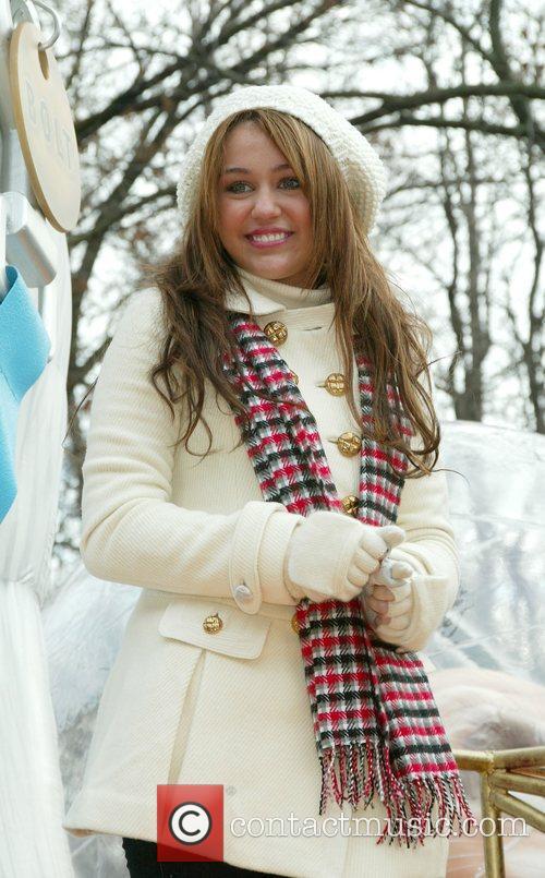 Miley Cyrus 24