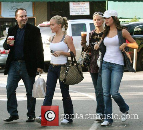 Kendra Wilkinson and Holly Madison 5