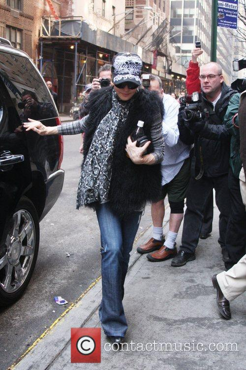 Madonna  arrives at the Kabbalah Centre...