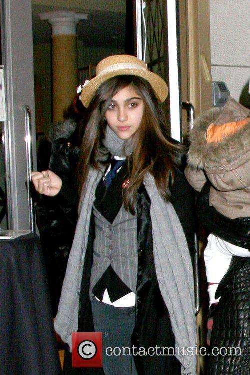 Lourdes Leona leaving the Manhattan Kabbalah Centre New...