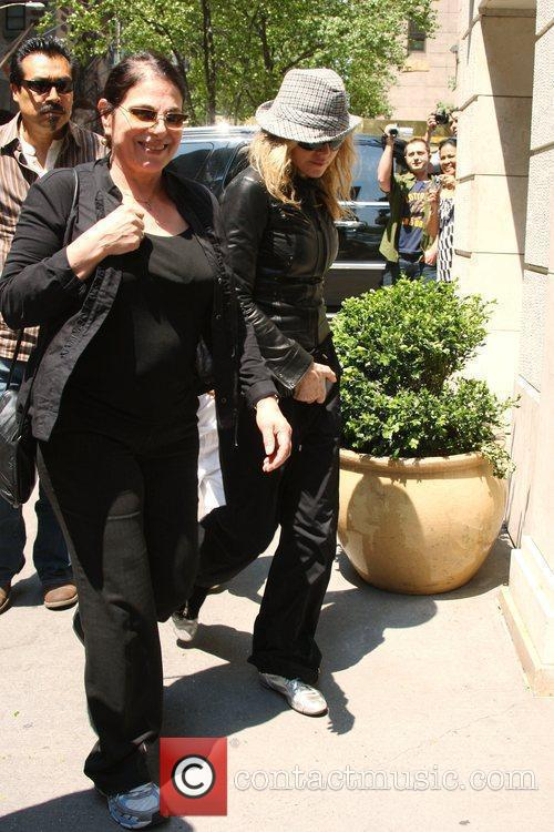 Madonna and Adopted Son David Banda Visit The Kabbalah Center 4