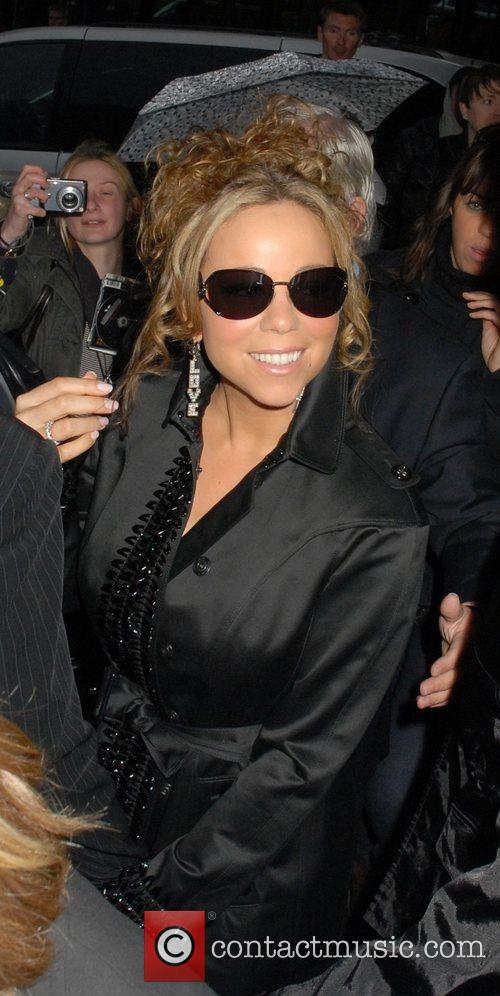 Mariah Carey and Her Husband 11
