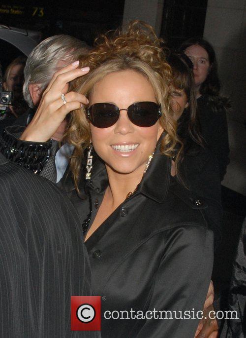 Mariah Carey and her husband 7