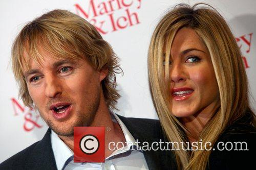 Owen Wilson and Jennifer Aniston attend a photocall...