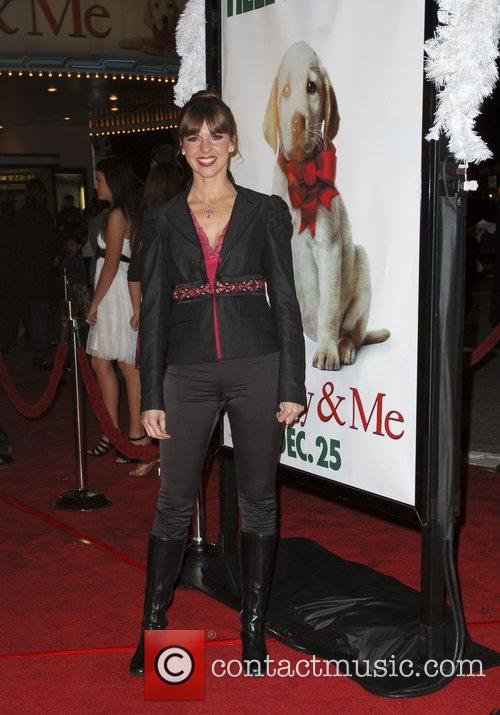 Arriving at the 'Marley & Me' world premiere...