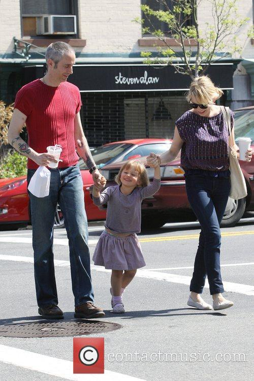 Michelle Williams, Matilda Ledger out, about in Brooklyn enjoying the warm. Matilda gets a lift from her mom and an older mystery male. 18