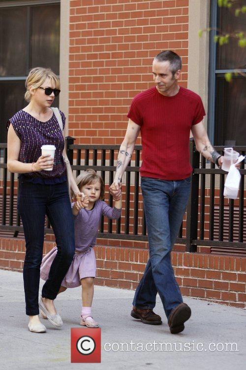 Michelle Williams, Matilda Ledger out, about in Brooklyn enjoying the warm. Matilda gets a lift from her mom and an older mystery male. 6