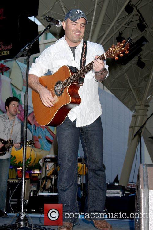 Matt Stillwell  American country artist performing at...
