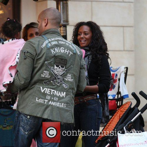 Mel B and Her Husband Stephen Belafonte Go Christmas Shopping With Her Daughter At The Grove 6