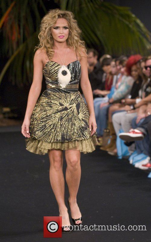 Cindy taylor funkshion fashion week spring summer 09 for Runway club miami