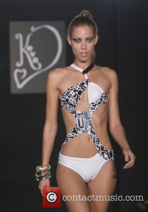 Model Funkshion Fashion Week spring/summer 09 - Keva...