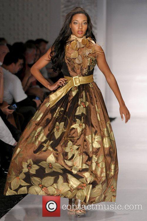 Funkshion: Fashion Week - Rosita Hurtado - Runway