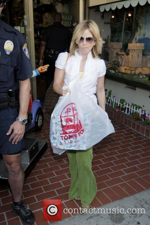 Michael Jackson's staff leaves Tom's Toys after a...