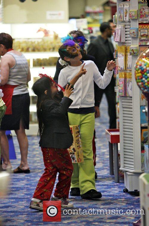 Michael Jackson's children Prince Michael II and Paris...