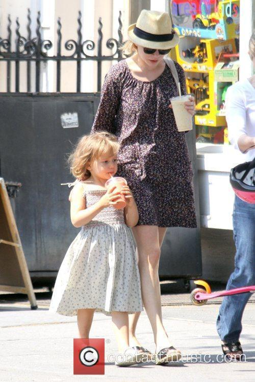 Michelle Williams and her daughter Matilda go out for a morning coffee in Brooklyn 9