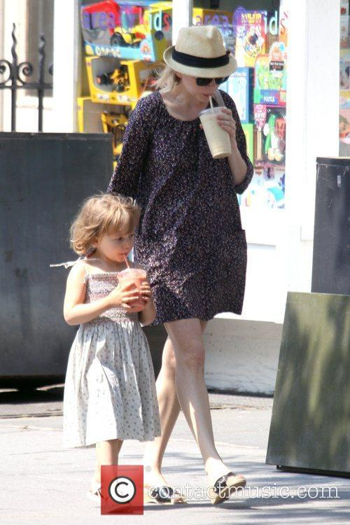 Michelle Williams and her daughter Matilda go out for a morning coffee in Brooklyn 5
