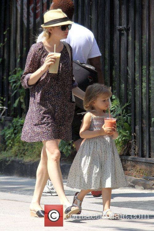 Michelle Williams and her daughter Matilda go out for a morning coffee in Brooklyn 2