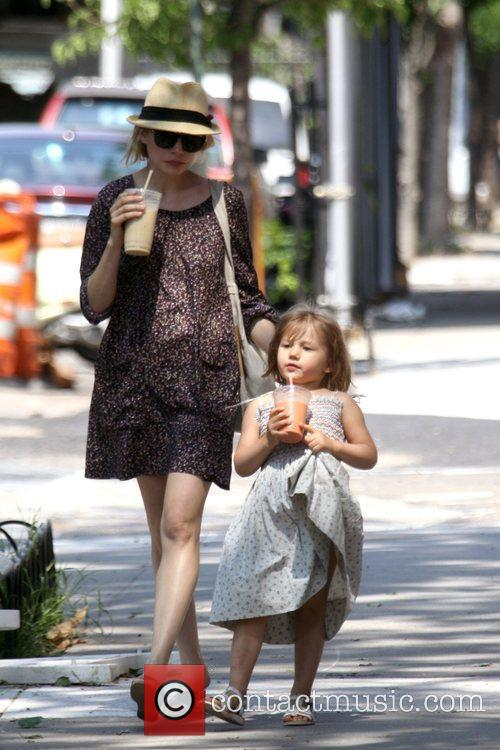 Michelle Williams and her daughter Matilda go out for a morning coffee in Brooklyn 3