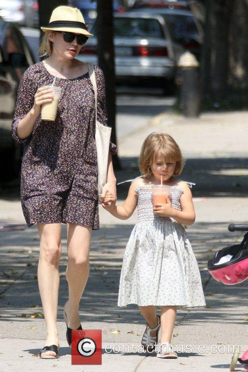Michelle Williams and her daughter Matilda go out for a morning coffee in Brooklyn 4
