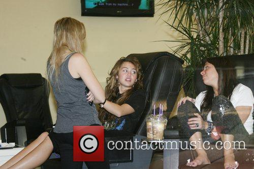 Miley Cyrus, Her Friends Visit A Nail Salon In North Hollyood Mall. She Grabs Lunch At Pandera Bakery Where She Had Clam Chowder Soup With A Bread Roll and Green Salad. 9