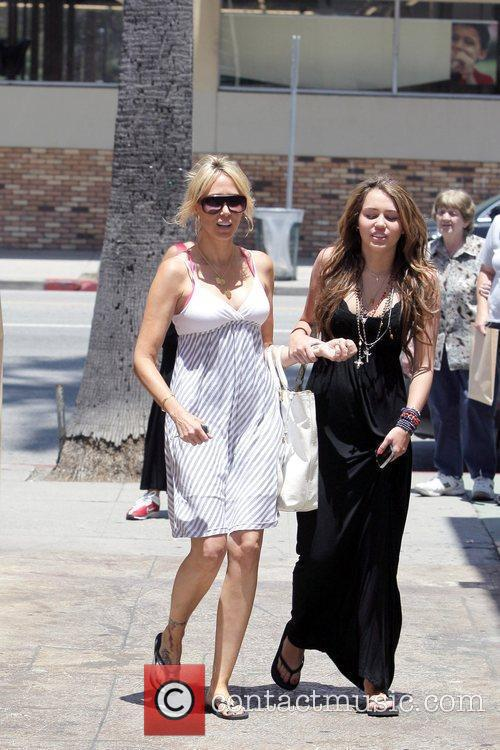 Miley Cyrus, Her Mother Tish Spend Saturday Afternoon Eating Lunch At The Studio Cafe, Shopping At M. Fredric Boutique and Royal Dutchess Boutique 7
