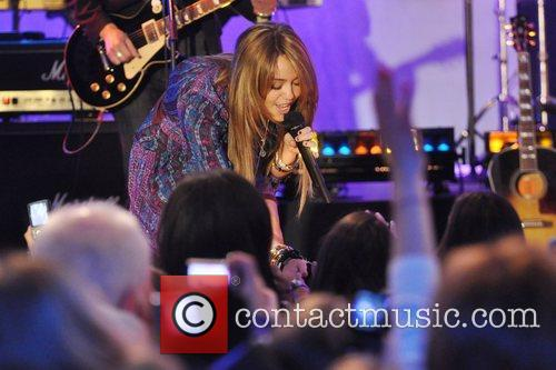 Miley Cyrus, ABC, Good Morning America