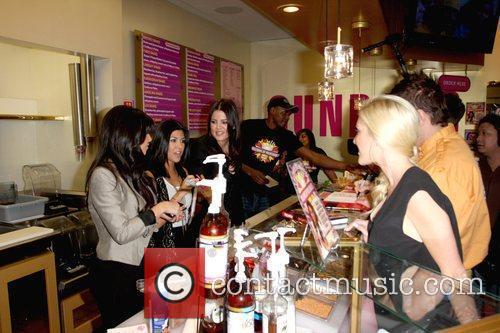 Kim Kardashian, Kourtney Kardashian, Khloe Kardashian and Heidi Montag 1