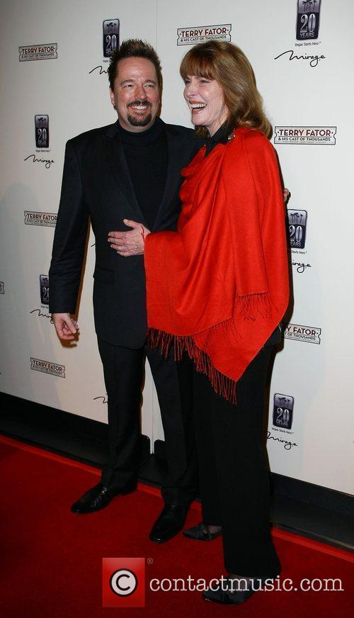 Terry Fator, Mariette Hartley The Opening of Terry...