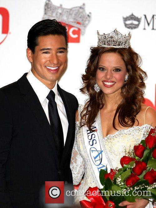 Mario Lopez and newly awarded Miss America Katie...