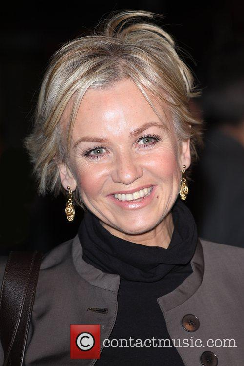 Lisa Maxwell and Aliens 2