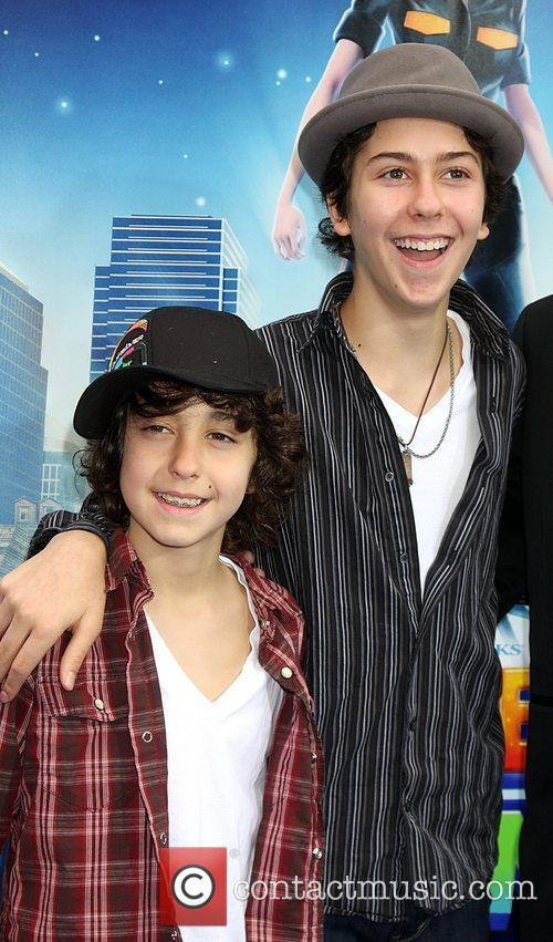 Alex Wolff and Aliens 1