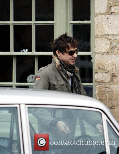 Jamie Hince arriving at The Swan pub