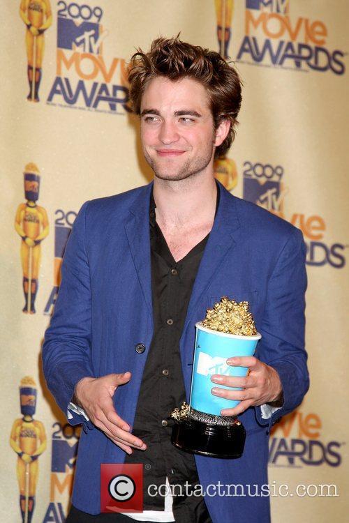 Robert Pattinson and Mtv 2
