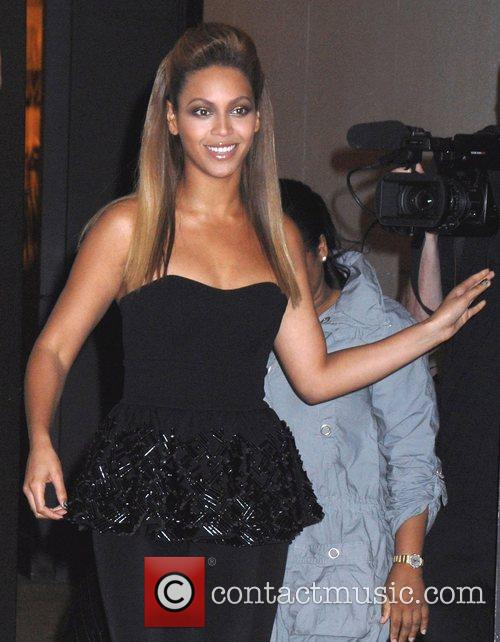 Beyonce Knowles outside MTV TRL Studios in Times...