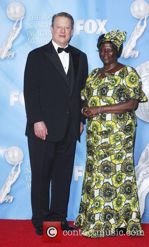 Al Gore and Dr. Wangari Muta Maathai 2