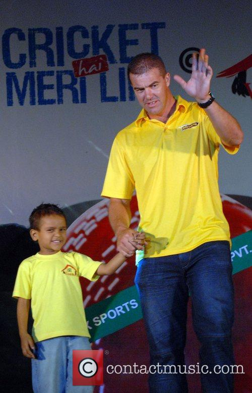 Heath Streak of Ahmedabad Rockets and a child...