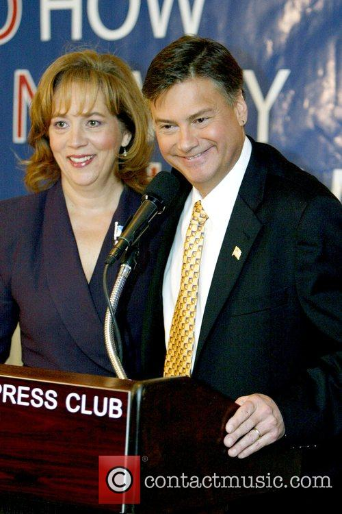 Deborah Johns and Mark Williams Stop Obama Tour...