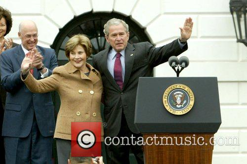Laura Bush, Barack Obama and White House 3