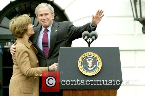 Laura Bush, Barack Obama and White House 8