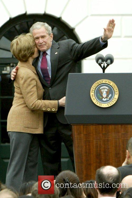 Laura Bush, Barack Obama and White House 4