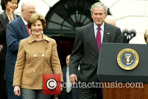 Laura Bush, Barack Obama and White House 7