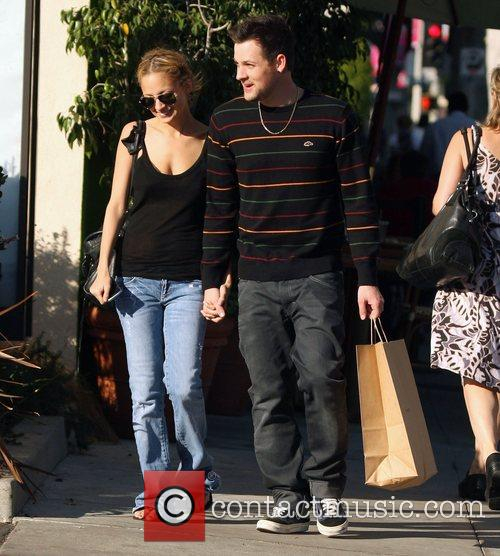 Nicole Richie and Joel Madden shop for baby...