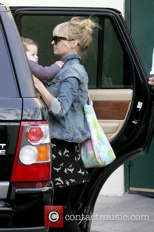Pregnant Nicole Richie leaving Cafe Med in West...