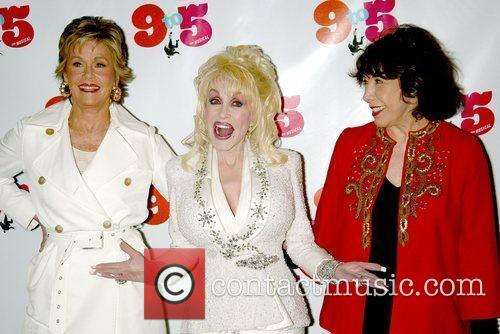 Jane Fonda and Dolly Parton 5
