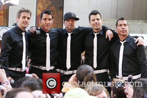 Joey Mcintyre, Donnie Wahlberg and New Kids On The Block 7